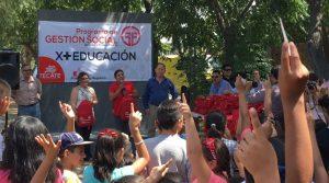 Entrega Ayuntamiento más de 500 mochilas y útiles escolares
