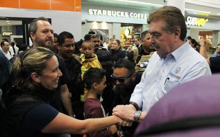 Reconoce Gobernador Francisco Vega a rescatistas de BC tras destacada labor en la CDMX