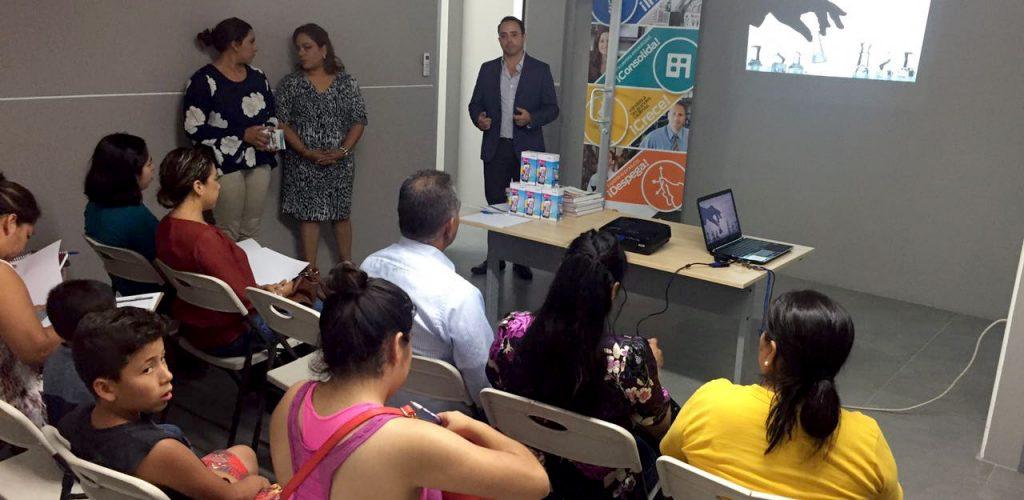 Plática informativa sobre apoyos para mipymes en Tecate