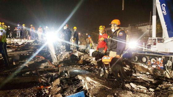 Trabajan rescatistas bajacalifornianos en la Ciudad de México