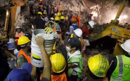 Peña Nieto decreta tres días de luto nacional por víctimas del sismo