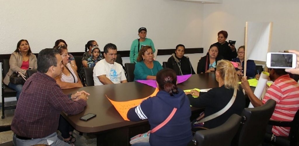 Atiende Gobierno del Estado a ciudadanos a favor del proyecto de la desaladora en Playas de Rosarito