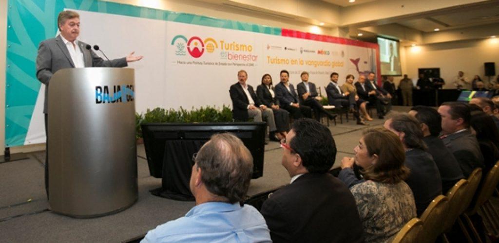 """Encabezan Gobernador Kiko Vega y titulares de SECTUR Y SEMARNAT """"Tercer Foro Turismo en la Vanguardia Global, hacia una política de estado con perspectiva al 2040"""""""