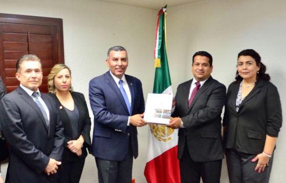 Entrega Secretario General Cuarto Informe de Gobierno al Congreso del Estado