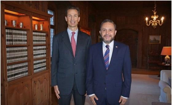 Entrega de Cartas Credenciales del Embajador Dr. Fernando Jorge Castro Trenti al Principe Heredero Alois de Liechtenstein