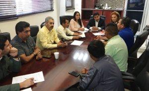 Presidente del Congreso se reúne con residentes de San Quintín
