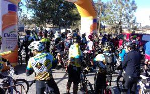 Gran convocatoria durante el paseo ciclista el Hongo- Ojos Negros