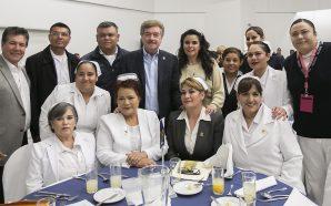 Reconoce Gobernador Francisco Vega la noble laborde enfermeras y enfermeros de Baja California