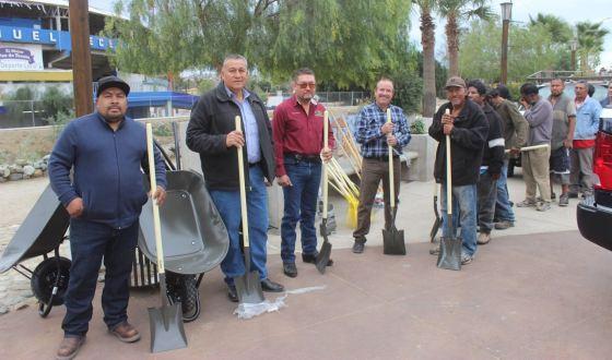 Ayuntamiento recibe donativo de herramientas para limpieza del Río