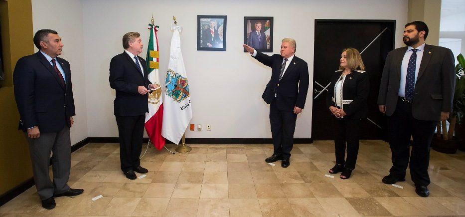 Nombra Gobernador Francisco Vega a Francisco Iribe Paniagua como Secretario del Trabajo y Previsión Social