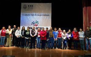 Entrega diputado Benja Gómez 225 mil pesos en becas escolares