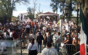 Escasos mil tecatenses reciben a AMLO