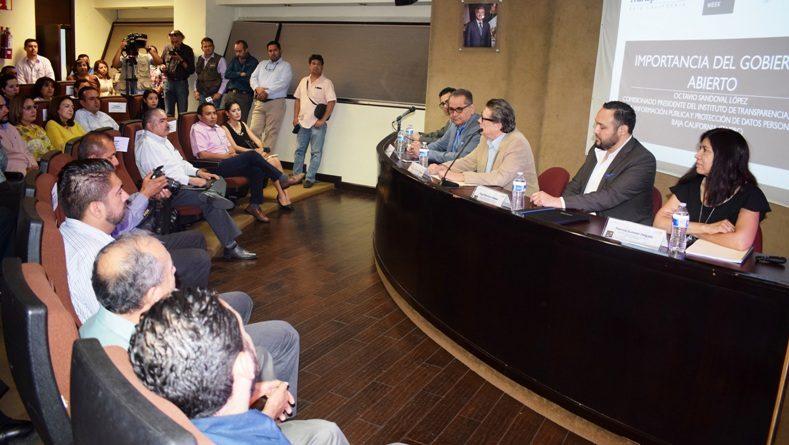 """Presenta Secretaría de la controlaría nuevas herramientas del modelo """"Gobierno abierto"""""""