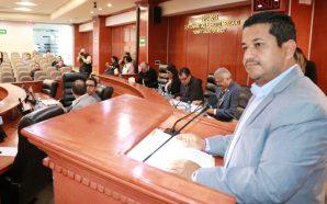 """""""Urgente reducir cantidad de plástico que utilizamos"""": diputado Benjamín Gómez"""