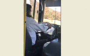 Sancionan a operador de transporte; conducía con teléfono celular en…