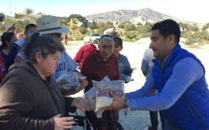 Acerca Gobierno del Estado jornada de servicios a residentes de Valle de las Palmas