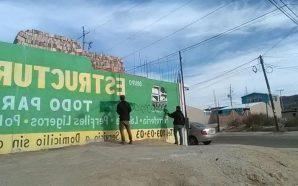 Menores de edad limpiaron grafiti en Tecate