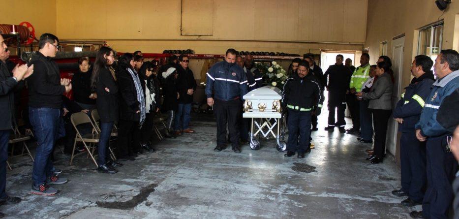 Rinden ceremonia de cuerpo presente a Alfonso Barona