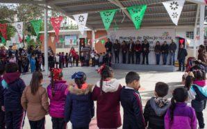 La niñez tecatense da muestra de su amor a la Bandera Nacional