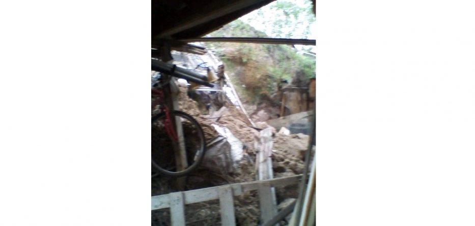 Deslave provoca desalojos en la ciudad de Tijuana