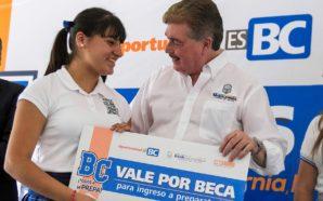 """Garantiza Gobierno del Estado continuidad de Beca Solidaria """"Todos a la Prepa"""" en BC"""