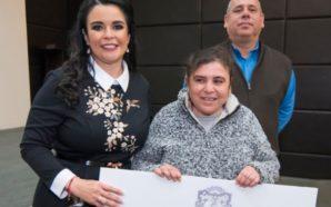 Entrega presidenta de DIF Baja California auxiliares auditivos a beneficiarios…