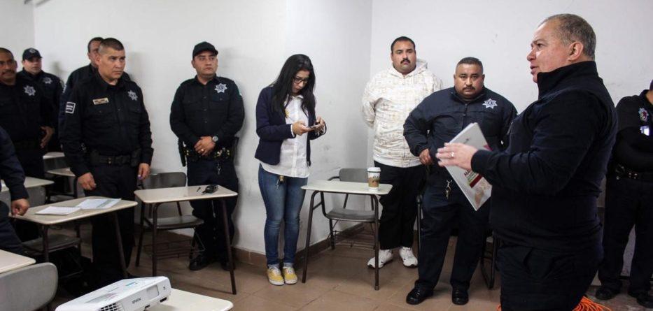 Capacitan a policías de Tecate en materia de violencia de género