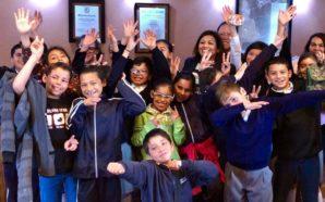 Alcaldesa Nereida Fuentes recibió a estudiantes de la primaria Club Rotario