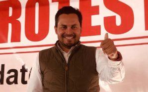 Javier Urbalejo toma protesta como candidato a la Presidencia Municipal