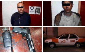 Detienen a taxista con arma de utilería