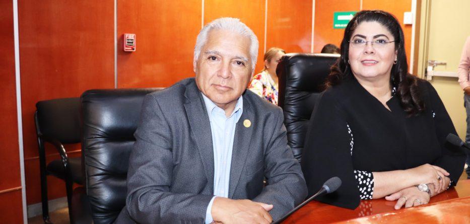 En sesión extraordinaria, se aprueba licencia temporal de diputada Patricia Rios
