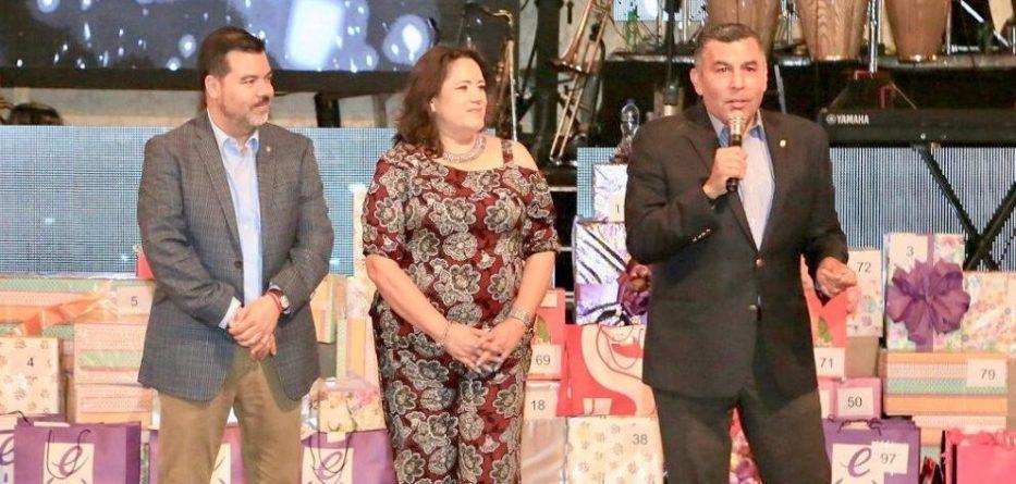 FESTEJA GOBIERNO DEL ESTADO A LAS MADRES EN SU DÍA