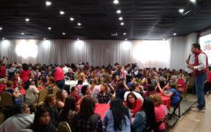 Recibe Javier Urbalejo apoyo de mujeres tecatenses