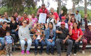 Firma Javier Urbalejo compromisos con comunidades rurales al sur de Tecate