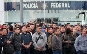 """""""Mano negra"""" en protestas de la Policía Federal; paralizan carreteras"""