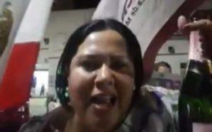 Senadora León se burla del estado de salud de secretaria…