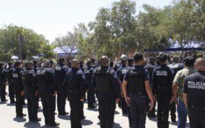Dan la espalda a autoridades durante homenaje de policías caídos
