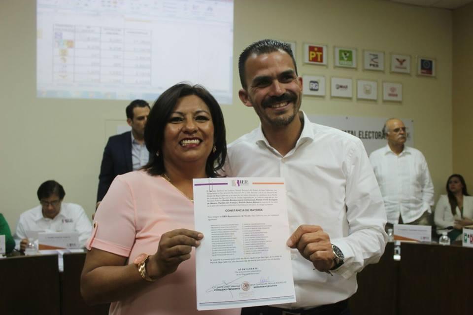 Nereida Fuentes recibe Constancia de Mayoría