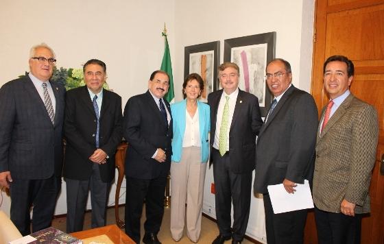 Gestiona Gobernador Francisco Vega ante SHCP, recursos para impulsar el ramo de inversión pública y de educación